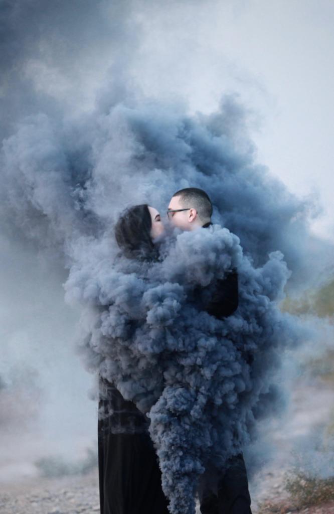 Smoke bombs love