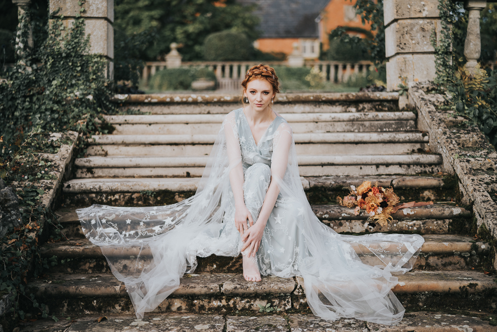 This beautiful fall wedding shoot was romantic, chic and filled with gorgeous celestial details