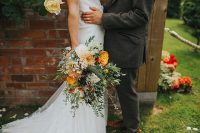 04 All the florals including this wedding bouquet were arranged by the bride and her family