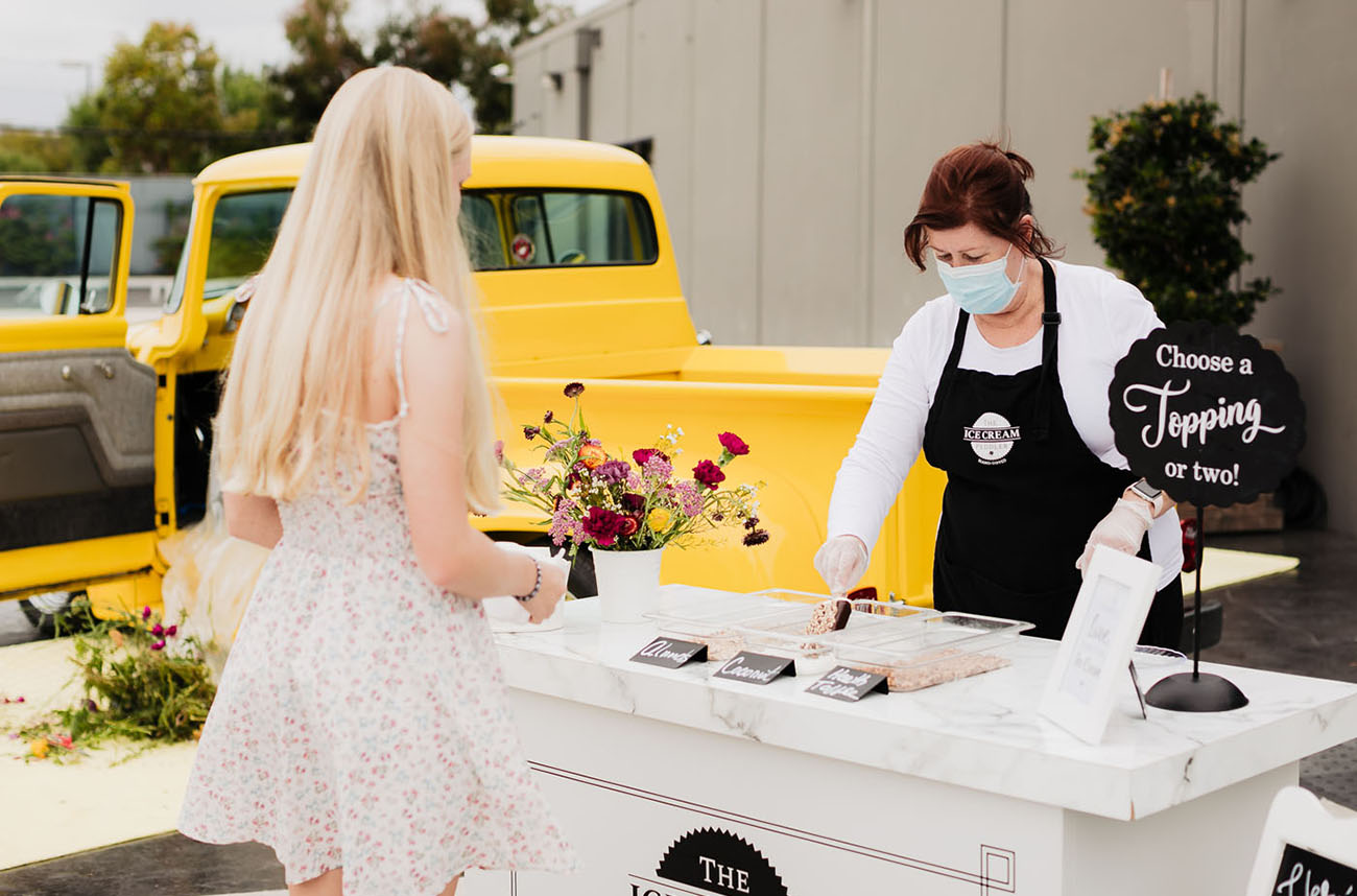 ice cream is a great idea for a wedding