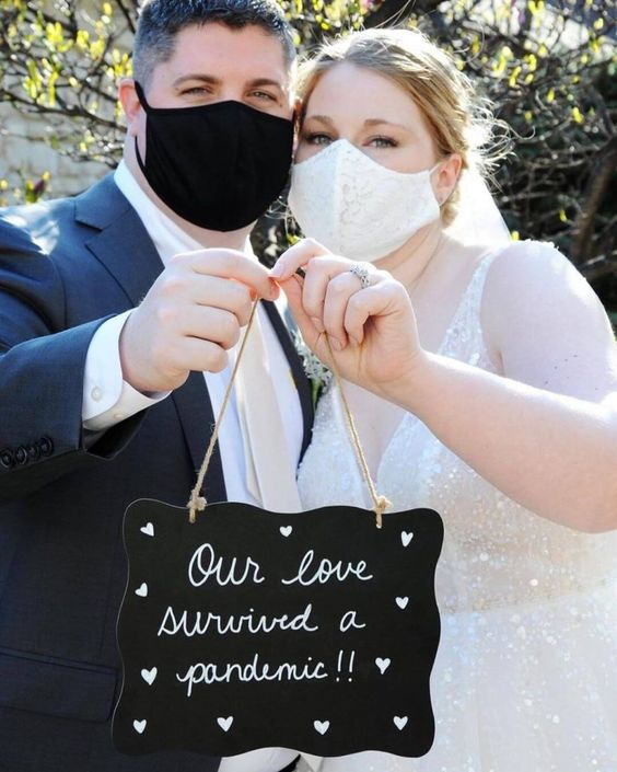 a white lace and a plain black mask are traditional and timeless ideas for a couple