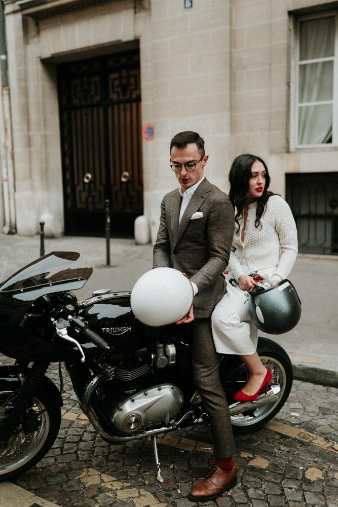 The bride went for a moto ride around Paris