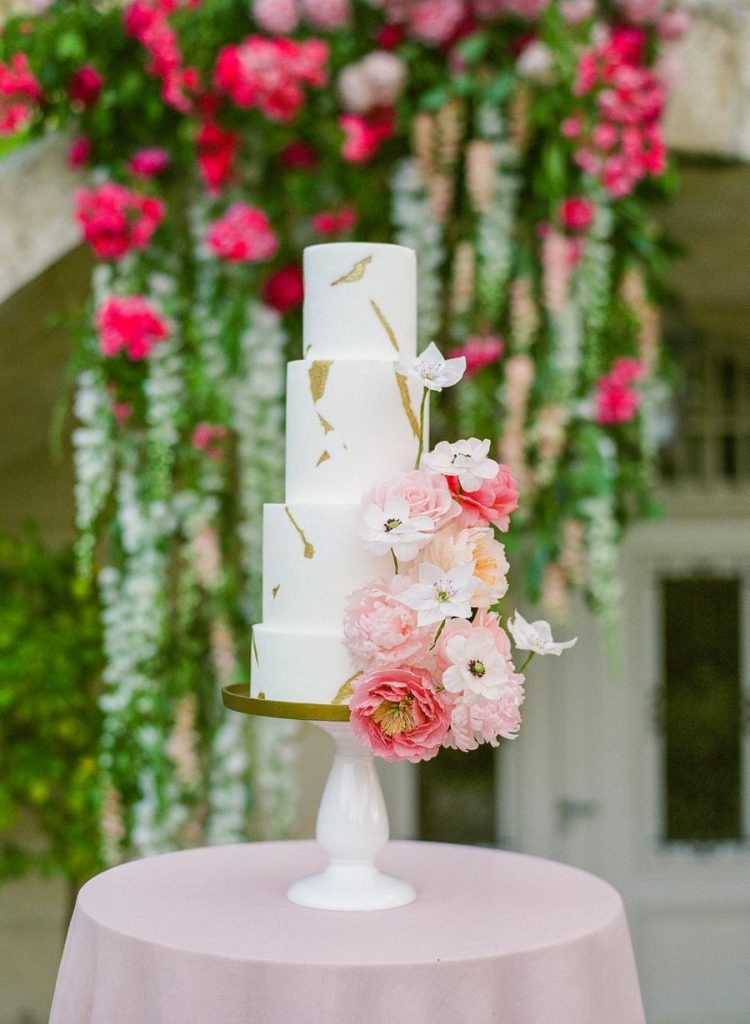 The wedding cake was decorated with gold leaf and again fresh blooms in pink and blush