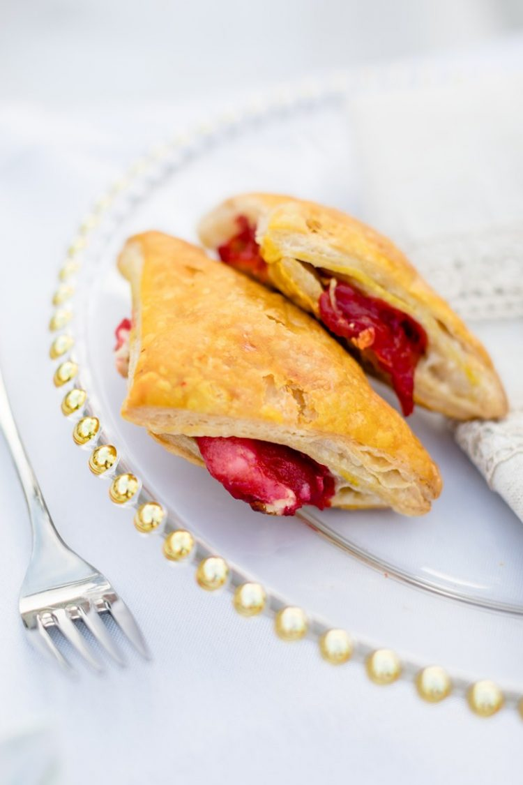 Traditional guava and cream cheese pastelinos were served