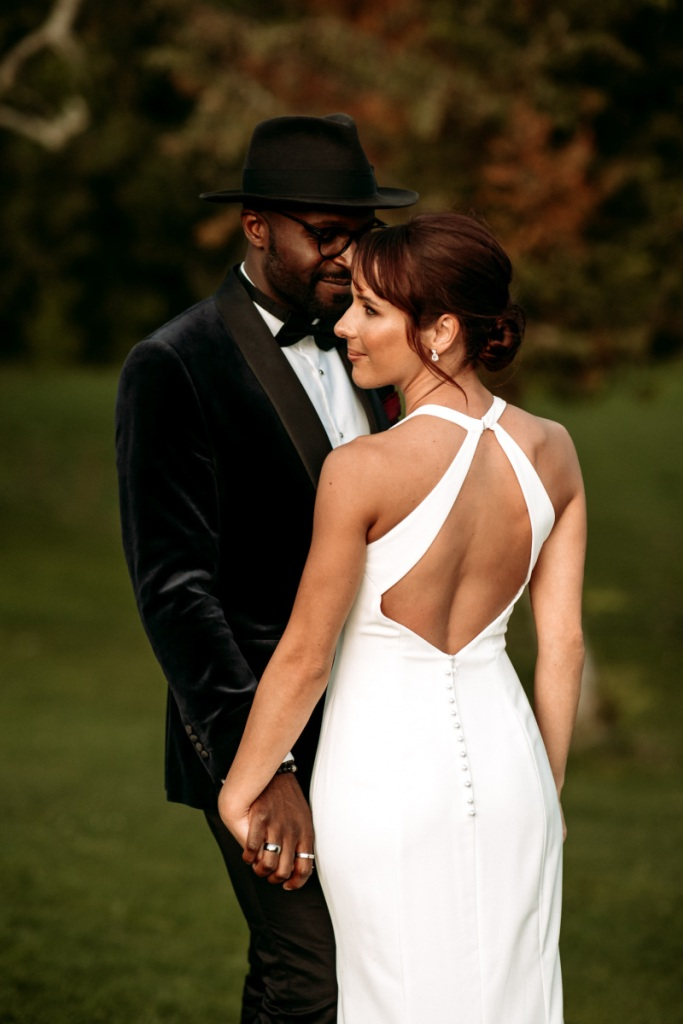 What a beautiful couple and a romantic and elegant wedding day