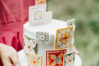 10 The wedding cake was a white one but decorated with bright azulejo tiles