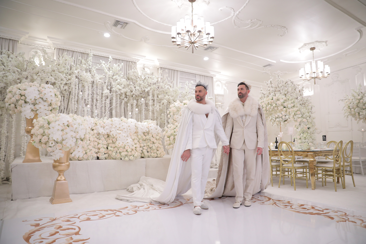 This couple went for a gorgeous white and gold royal themed wedding with luxurious decor