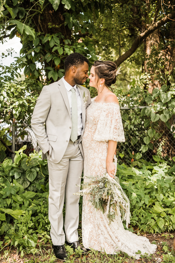 This wedding shoot in boho style showed how you can pull off a micor wedding with style, which is very actual for our COVID 19 times