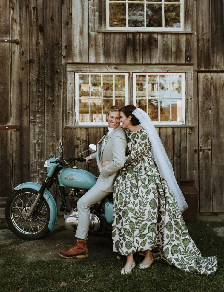 What a cozy and romantic fall wedding