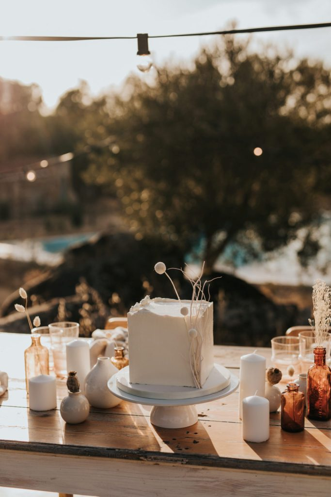 The wedding cake was a white square one, with dried elements that gave it an edgy feel