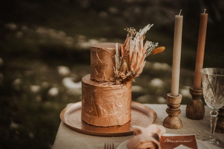 The wedding cake was a copper one, with plenty of texture and dried blooms