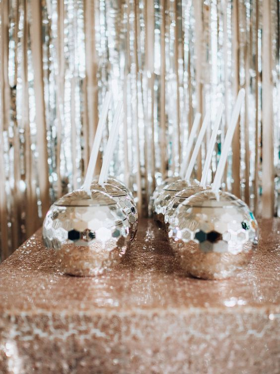 disco drinks served in disco balls are a very creative and very fun idea to rock, they will add glam to the party