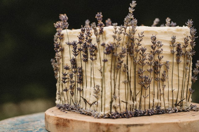 The wedding cake with a lemon and lavender was a simple but so beautiful