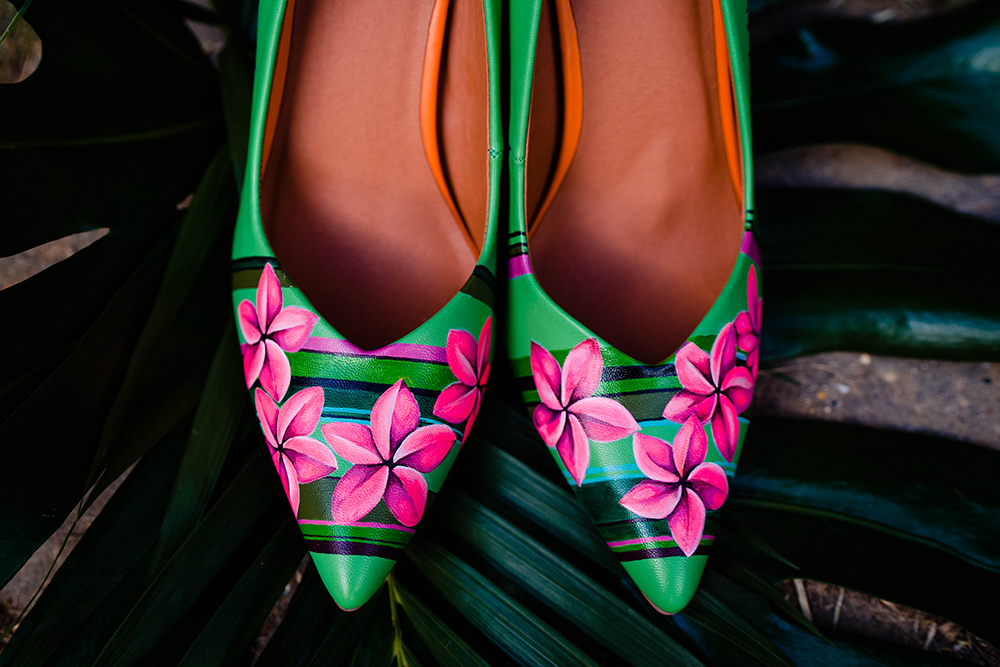 Look at these amazing boldly printed bridal shoes, aren't they gorgeous