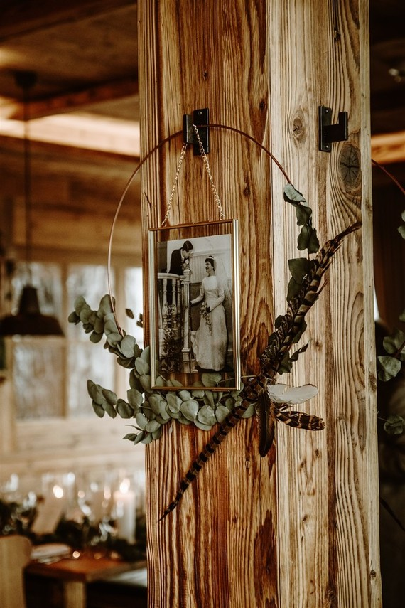 The decor of the venue was simple, cozy and rustic including family pics