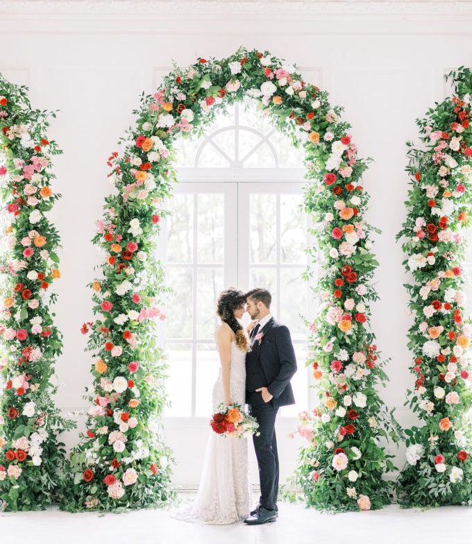 This bright floral wedding shoot is to inspire those of you who want bold blooms and lush greenery for their wedding