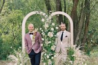 01 This modern farmhouse wedding shoot is filled with beautiful florals and cozy and chic touches