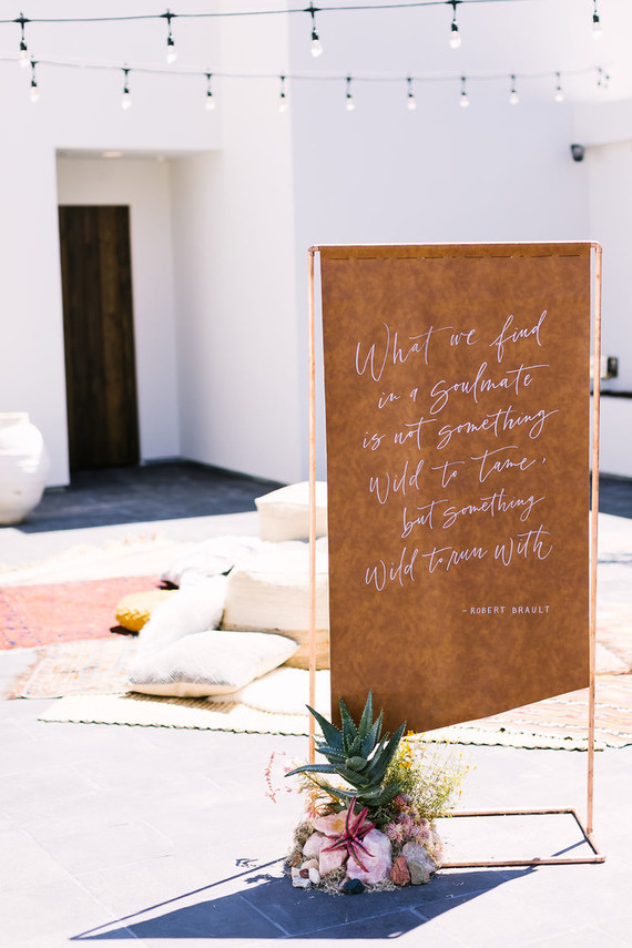 The wedding stationery was done of vegan leather and looks chic