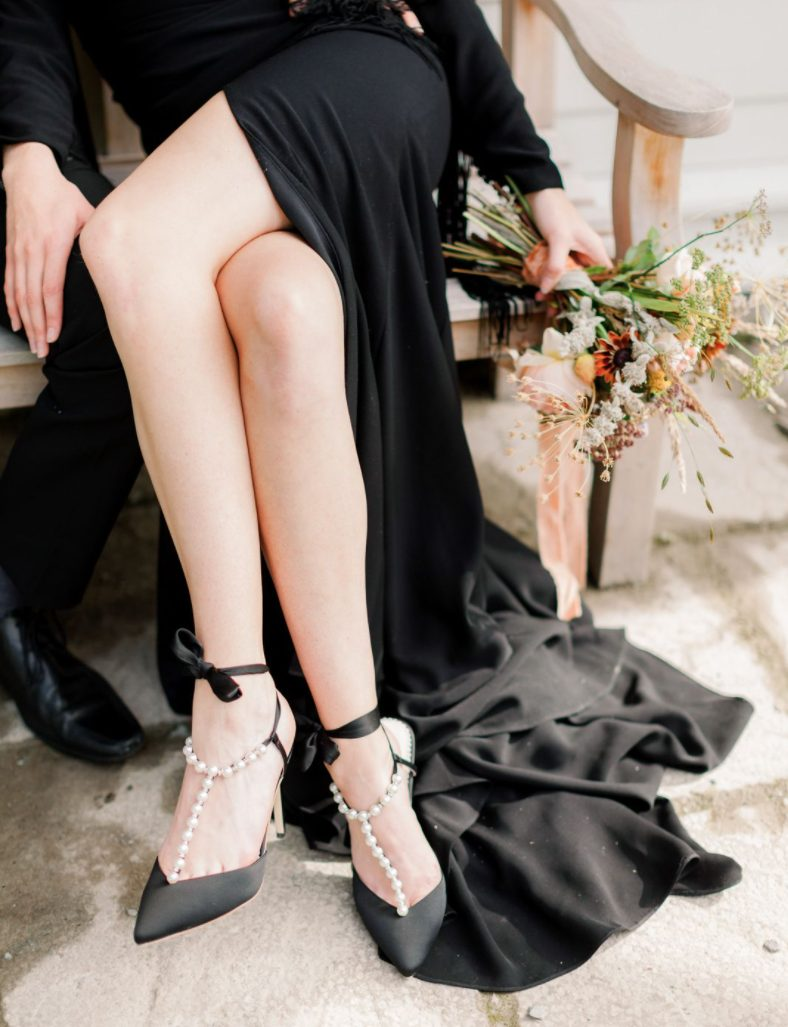 Look at these amazing black wedding shoes with pearls and bows