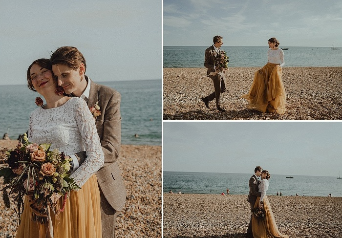 The couple also went for a walk on the beach to enjoy sunshine