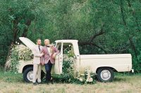 08 The grooms went for wedding portraits right at the truck
