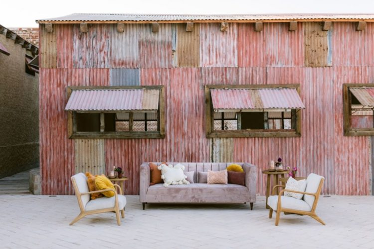 The wedding lounge outside was done in muted shades, with comfortable furniture