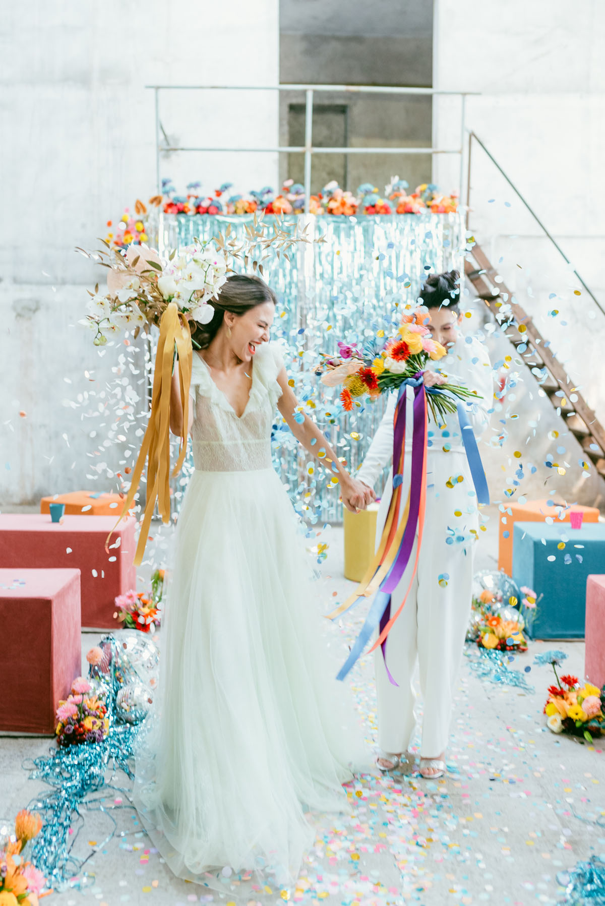 This fun and bright wedding shoot was about pop art and 80s vibes, with colorful touches