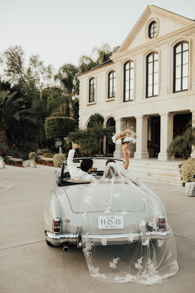 What a lovely little wedding in Los Angeles