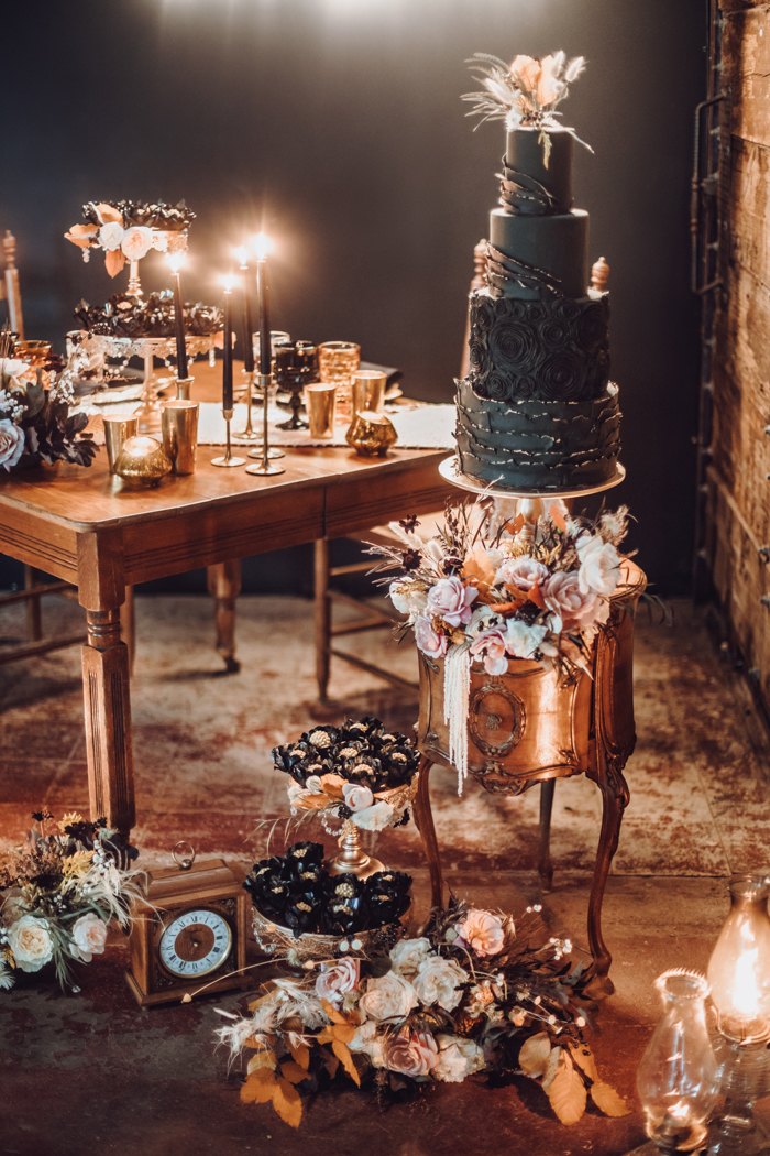 There were fantastic gold and black desserts and a jaw-dropping wedding cake with textural tiers and blooms
