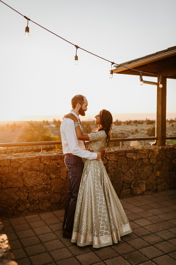 What a lovely and cozy intimate wedding