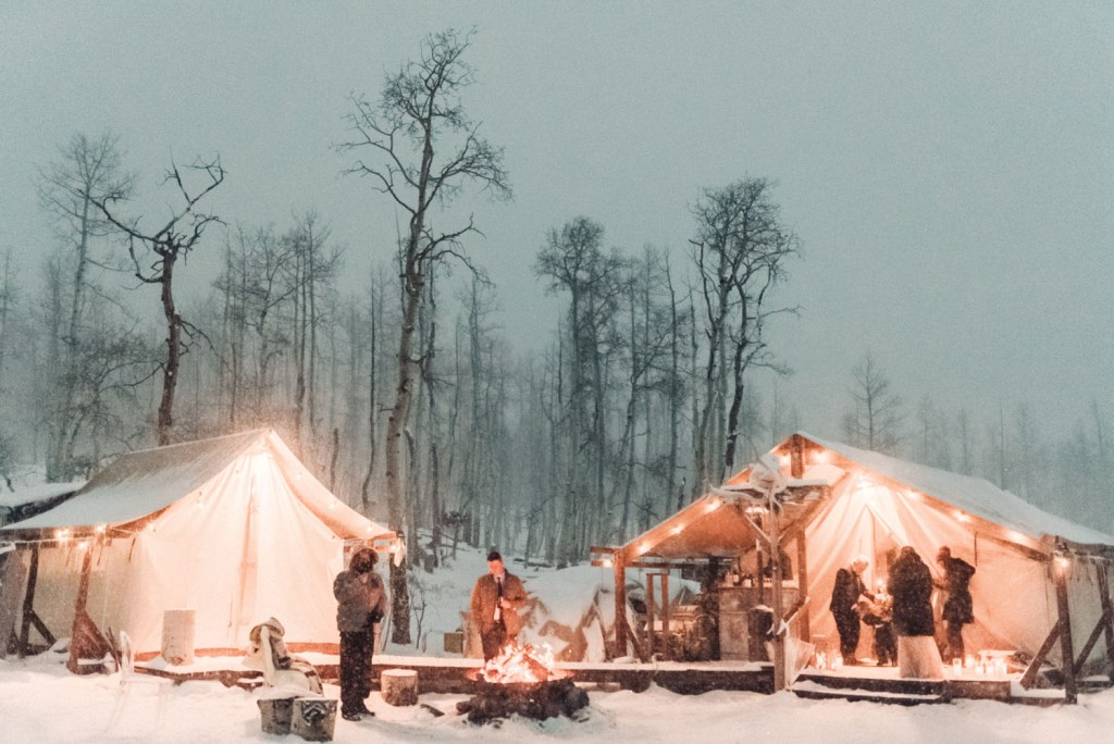 Everyone went for a walk around the tents and warmed up at the bonfire