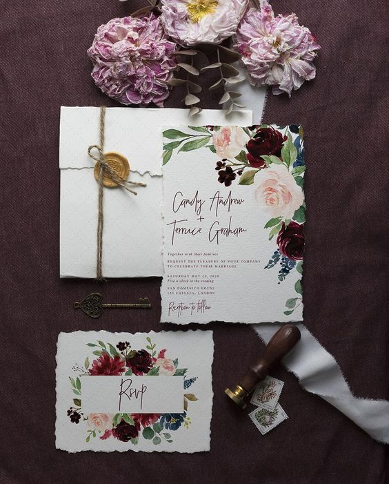 a bold and refined floral wedding invitations with a raw edge and a seal is a very stylish idea for the fall