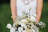 a cute spring wedding bouquet
