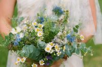 26 a creative spring wedding bouquet of daisies, blue and white blooms, eucalyptus is a very fresh and lovely idea to try