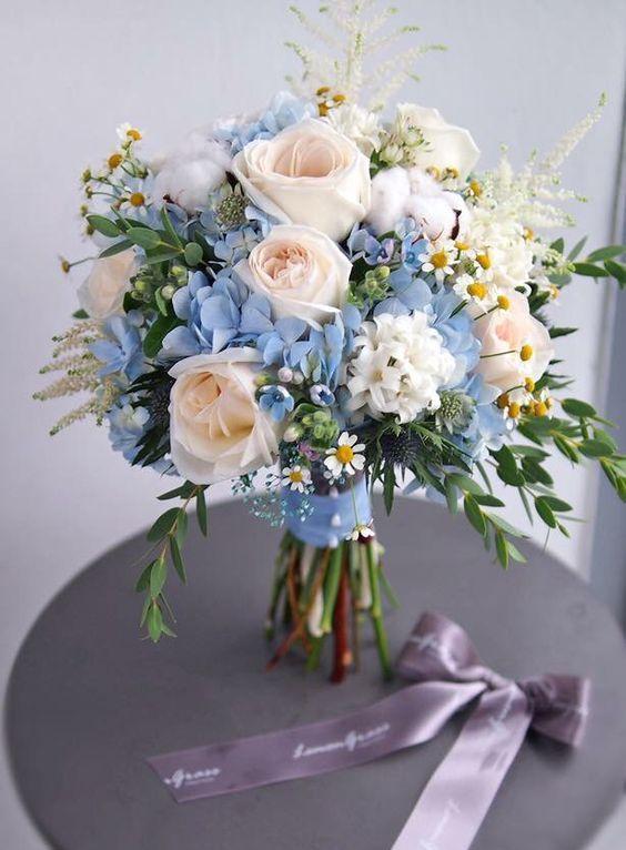 a cute pastel wedding bouquet for summer