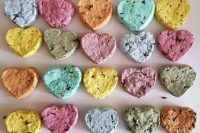16 colorful wildflower seed bombs are made with recycled paper and contains wildflower seeds and will give pretty blooms to attact flies and bees