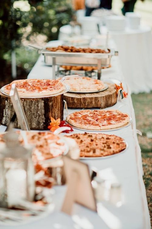 a pizza station is a great idea for a brunch wedding, who can refuse a bit of breakfast pizza