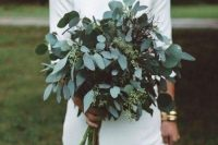 06 a simple and stylish eucalyptus wedding bouquet is a great idea for a modern or minimalist bride and it will refresh the look