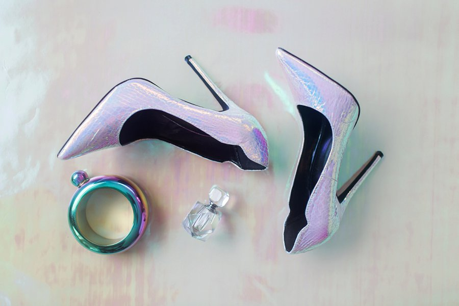 pretty modern iridescent wedding shoes are a gorgeous addition for a bright and statement like bridal look