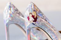 24 lovely iridescent wedding shoes with painted floral patterns and the couple to personalize them a bit