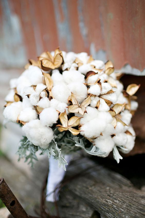 a classy cotton wedding bouquet with pale greenery is a lovely idea for a winter or Christmas wedding and can be rocked at many others, too