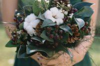 a simple fall wedding bouquet