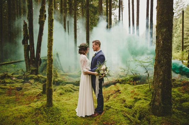 Picture Of Awesome Smoke Bomb Wedding Ideas 13