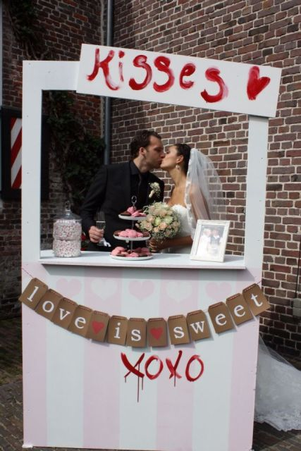 Picture Of Funny Kissing Booth Ideas For Your Wedding 20