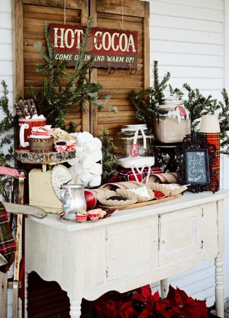 Picture Of Hot Cocoa And Chocolate Bar Ideas For Your Winter Wedding 4