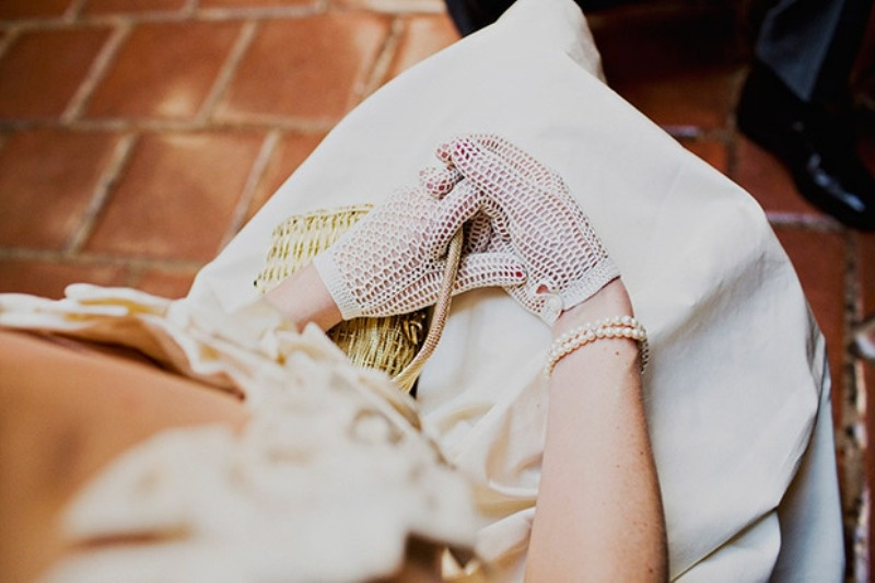 Picture Of stunning vintage wedding gloves to wear  3