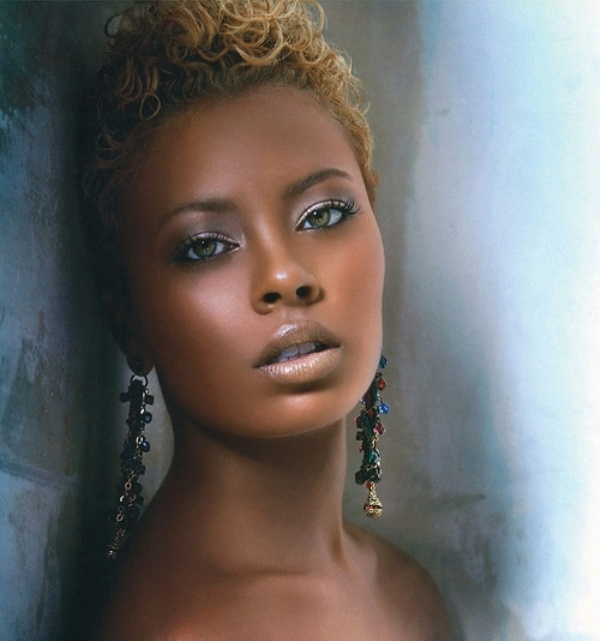 How To Apply Bridal Makeup For Black Skin : Picture Of Stunning Wedding Makeup Ideas For Dark Skin Tones
