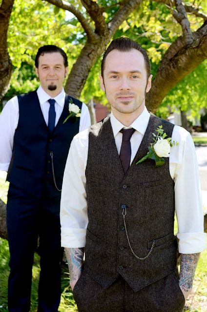 Picture Of Excellent Groom Looks With Tattoos 11