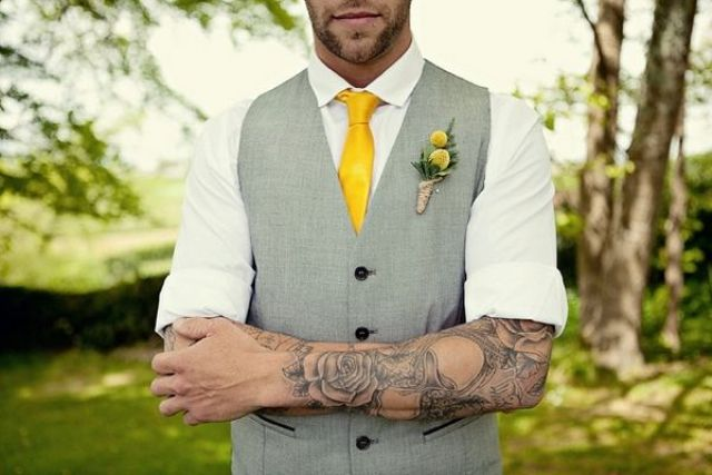 Picture Of Excellent Groom Looks With Tattoos 15