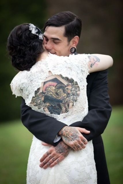 Picture Of Excellent Groom Looks With Tattoos 20